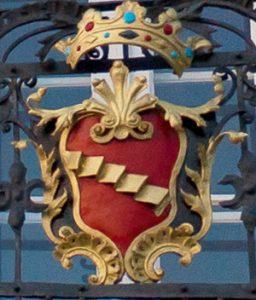 Lo stemma sul balcone